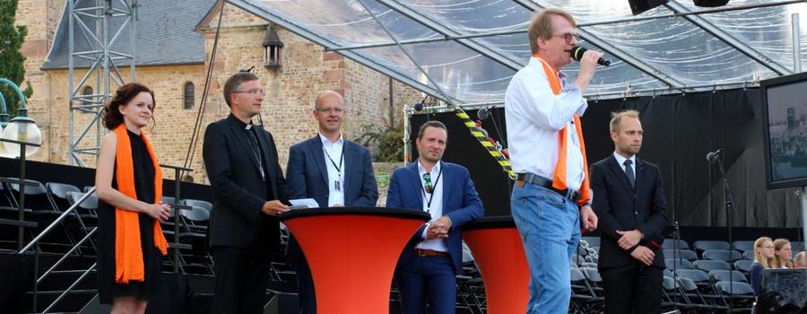 """Kolping-Exklusivvorstellung von """"Bonifatius – Das Musical"""" auf dem Domplatz in Fulda"""